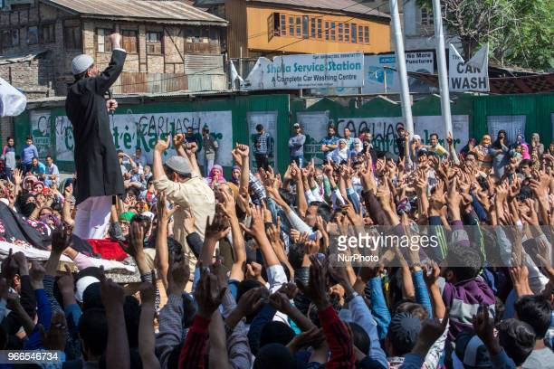 Kashmiri Muslim protestors throws shouts antiIndian and pro freedom slogans during the funeral procession of a Kashmiri civilian Kaiser Amin Bhat on...