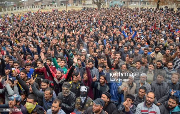 PAMPORE PULWAMA JAMMU KASHMIR INDIA Kashmiri Muslims are seen shouting Anti Indian and pro freedom slogans during funeral procession of Mohd Amin at...