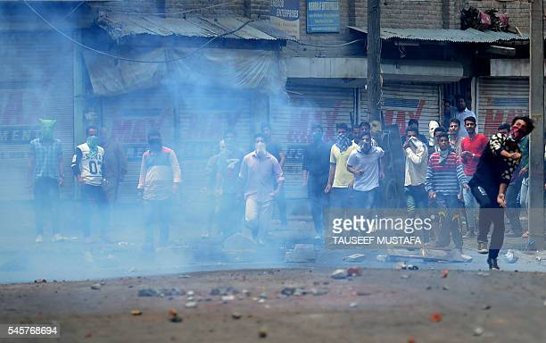 Kashmiri protestors clash with Indian police in Srinagar on July 10 2016 The death toll from unrest in Indianadministered Kashmir climbed to 15 July...