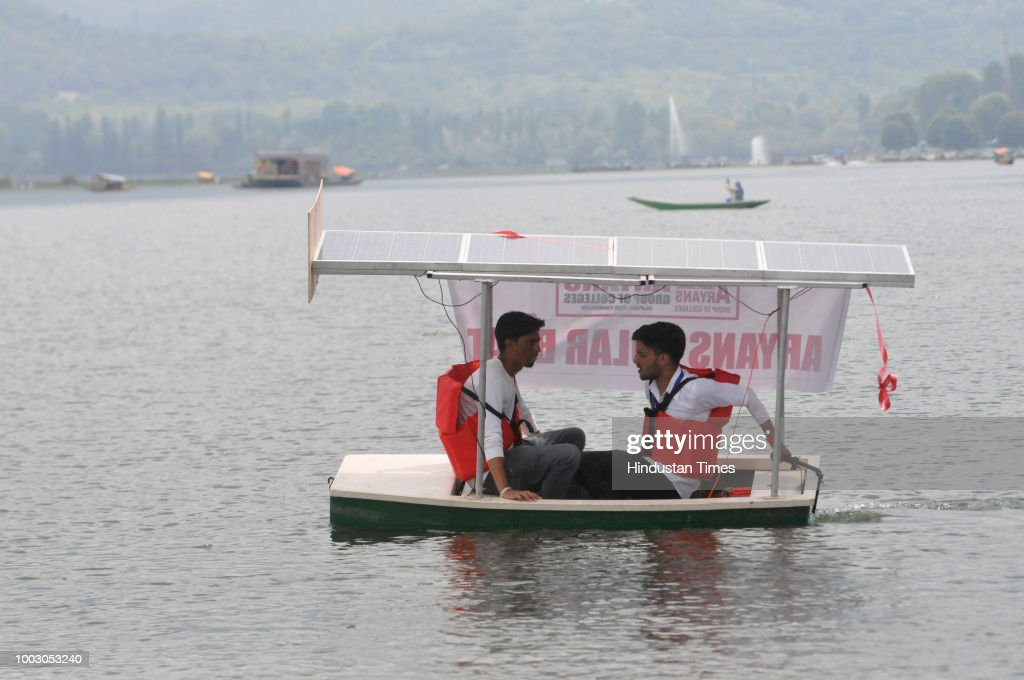 College Students Exhibit Solar-Powered Boat In Dal Lake