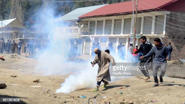 Kashmiri youths clash with the Indian security forces after the funeral of slain Kashmiri rebel Owais Shafi at Vailoo Kokernag Anantnag Owais Killed...