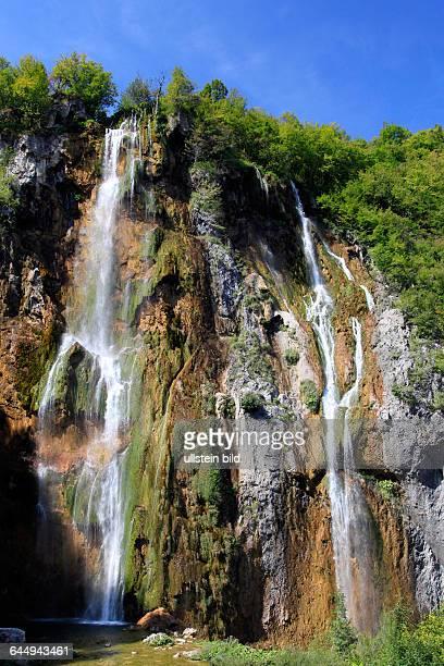 Kaskaden des höchsten Wasserfalls Veliki Slap / The Big Waterfallim Nationalpark Plitvicer Seen / Nacionalni park Plitvicka jezera oder Plitvice...