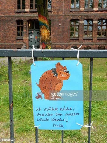 Kaskelkietz Schule Noeldnerstrasse Im Kaskelkietz ehemals Viktoriastadt stehen die ersten Mehrfamilienhaeuser der Welt die aus Beton gebaut wurden...