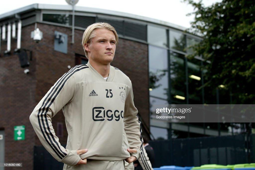 Training Ajax : News Photo
