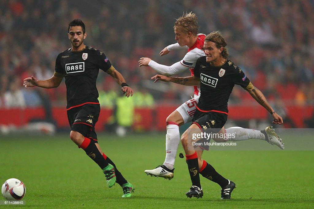 AFC Ajax v R. Standard de Liege - UEFA Europa League : ニュース写真
