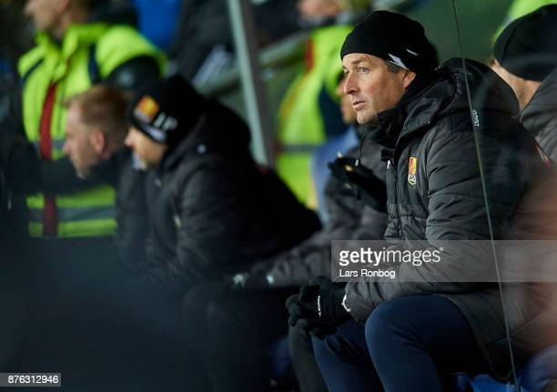 Kasper Hjulmand head coach of FC Nordsjalland looks on during the Danish Alka Superliga match between Brondby IF and FC Nordsjalland at Brondby...
