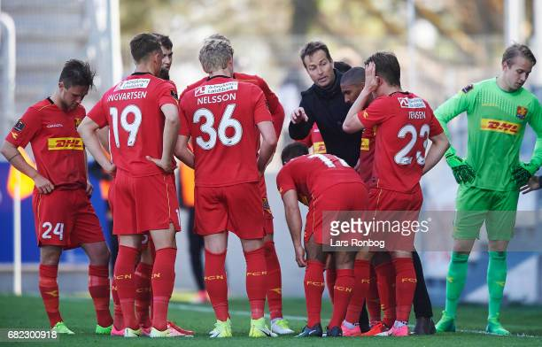 Kasper Hjulmand head coach of FC Nordsjalland speaks to his players during the Danish Alka Superliga match between Lyngby BK and FC Nordsjalland at...