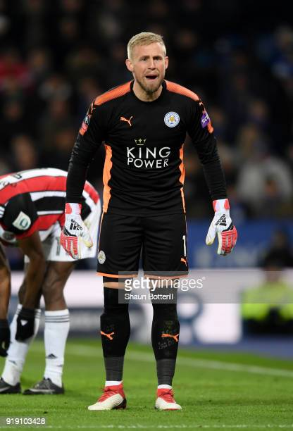 Kasper Schmeichel of Leciester calls during The Emirates FA Cup Fifth Round match between Leicester City and Sheffield United at The King Power...