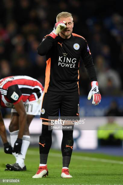 Kasper Schmeichel of Leciester gestures during The Emirates FA Cup Fifth Round match between Leicester City and Sheffield United at The King Power...
