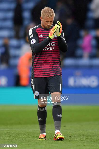 Kasper Schmeichel of Leicester City applauds fans after the Premier League match between Leicester City and Everton FC at The King Power Stadium on...