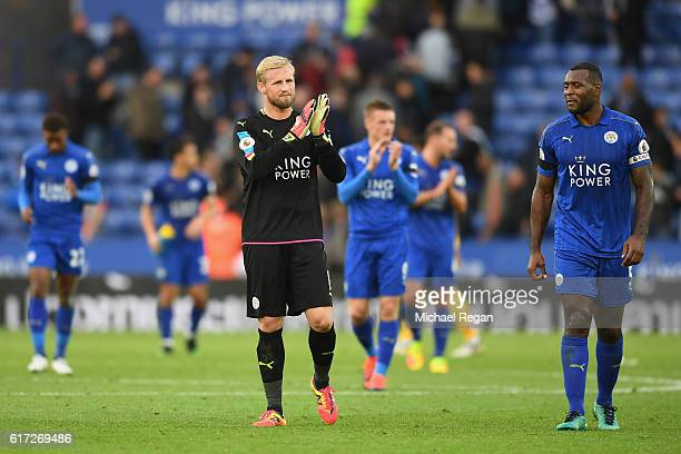 Kasper Schmeichel of Leicester City applauds supporters after hsi team's 31 win in the Premier League match between Leicester City and Crystal Palace...