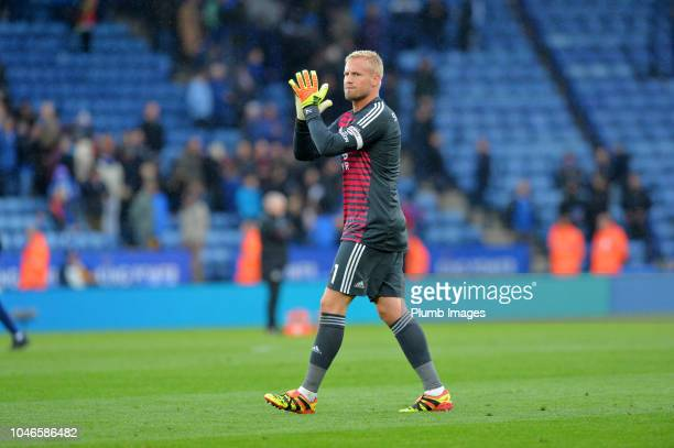 Kasper Schmeichel of Leicester City applauds the home fans after the Premier League match between Leicester City and Everton FC at King Power Stadium...