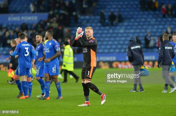 Kasper Schmeichel of Leicester City applauds the home fans after the FA Cup fifth round match between Leicester City and Sheffield United at King...