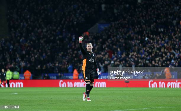 Kasper Schmeichel of Leicester City celebrates after Jamie Vardy of Leicester City scores to make it 10 during the FA Cup fifth round match between...