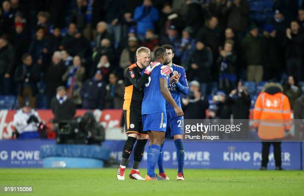 Kasper Schmeichel of Leicester City celebrates with Wes Morgan and Vicente Iborra of Leicester City after the FA Cup fifth round match between...