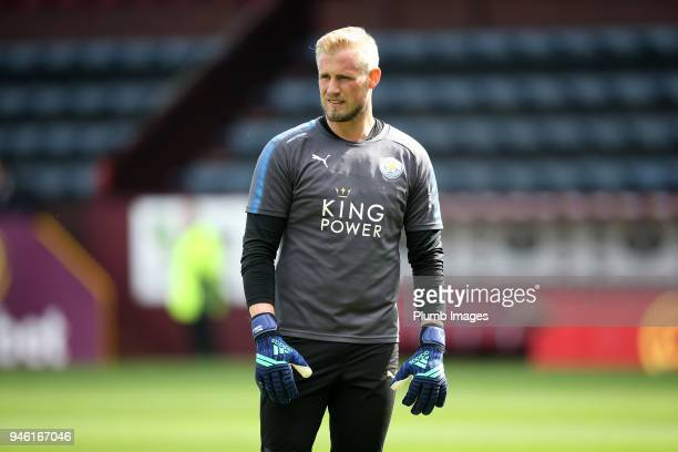 Kasper Schmeichel of Leicester City during the warm up at Turf Moor ahead the Premier League match between Burnley and Leicester City at Turf Moor on...