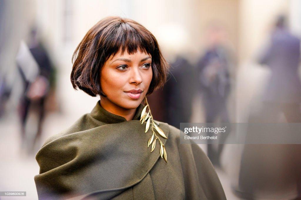 Street Style : Paris Fashion Week Womenswear Spring/Summer 2019 : Day One : Photo d'actualité