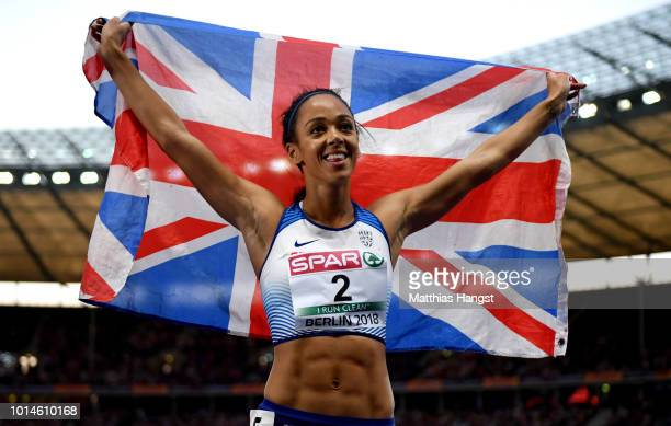 Katarina JohnsonThompson of Great Britain celebrates winning Silver in the Women's Heptathlon during day four of the 24th European Athletics...