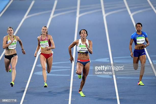 Katarina JohnsonThompson of Great Britain leads the field during the Women's Heptathlon 200m on Day 7 of the Rio 2016 Olympic Games at the Olympic...