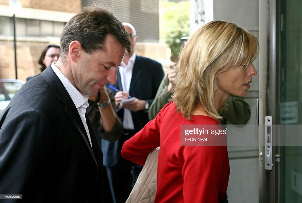 Kate (R) and Gerry McCann arrive at thei : News Photo