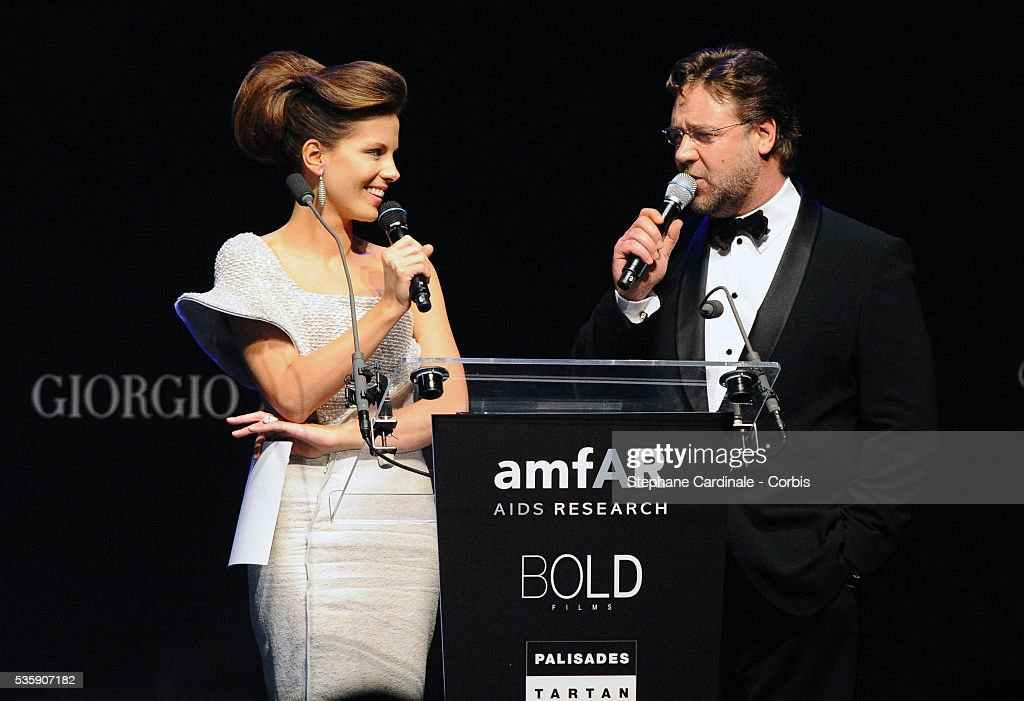 Kate Beckinsale and Russell Crowe attend the '2010 amfAR's Cinema Against AIDS Gala'