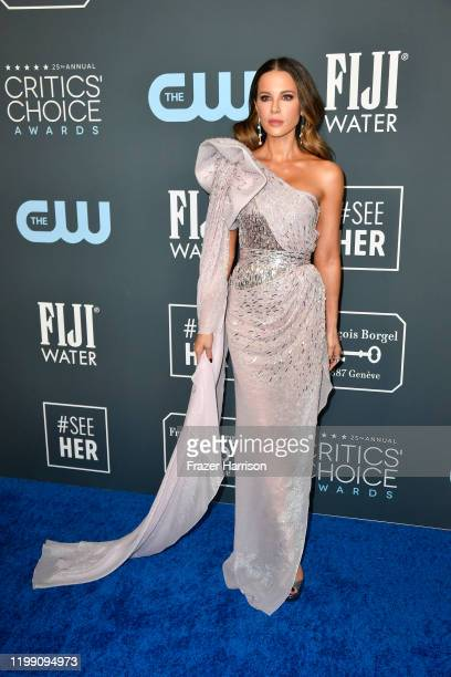 Kate Beckinsale attends the 25th Annual Critics' Choice Awards at Barker Hangar on January 12, 2020 in Santa Monica, California.