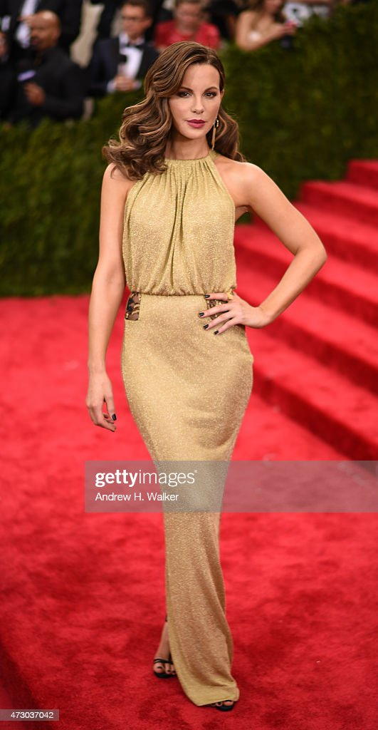 """""""China: Through The Looking Glass"""" Costume Institute Benefit Gala : News Photo"""
