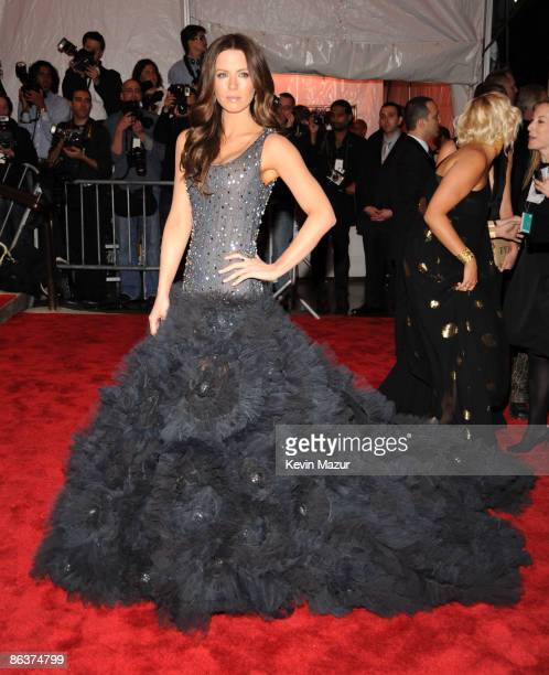 """Kate Beckinsale attends """"The Model as Muse: Embodying Fashion"""" Costume Institute Gala at The Metropolitan Museum of Art on May 4, 2009 in New York..."""