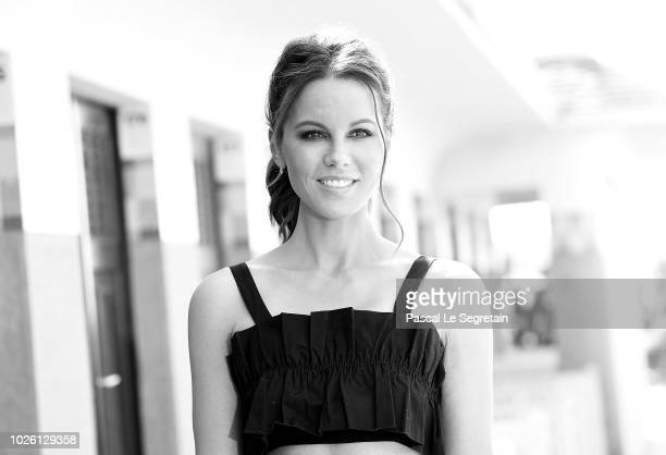 Kate Beckinsale poses during a photocall for the 2018 Deauville Talent Award at the 44th Deauville American Film Festival on September 2 2018 in...