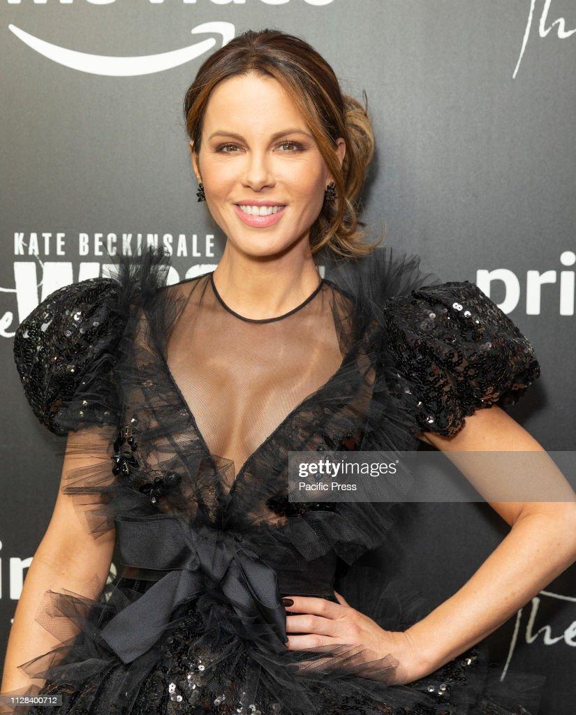 Kate Beckinsale wearing dress by Giambattista Valli attends... : News Photo