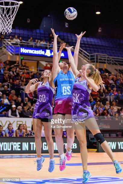 Kate Burley of the Northern Stars Jennifer O'Connell of the Steel and Olivia Coughlan of the Northern Stars compete for the ball during the round six...