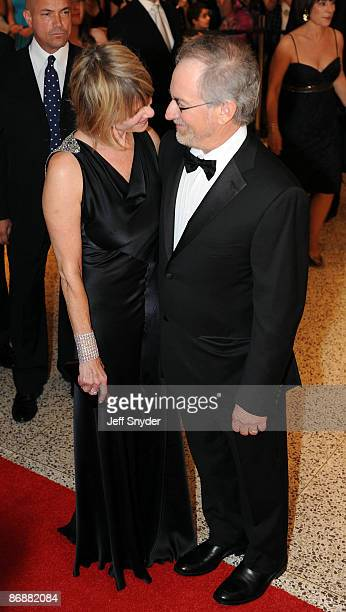 Kate Capshaw and Steven Spielberg attend the 2009 White House Correspondents' Association Dinner at the Washington Hilton on May 9 2009 in Washington...