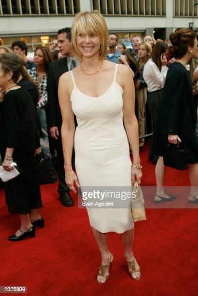 Kate Capshaw arriving at Minority Report world premiere at the Ziegfeld Theater in New York City June 17 2002 Photo Evan Agostini/ImageDirect