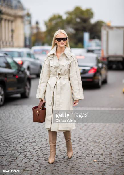 Kate Davidson Hudson wearing brown bag trench coat is seen outside Chanel during Paris Fashion Week Womenswear Spring/Summer 2019 on October 2 2018...