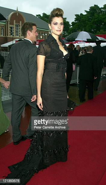 Kate Fischer arrives for the 2000 Emirates AFI Awards at Fox Studios on November 19 2000 in Sydney Australia