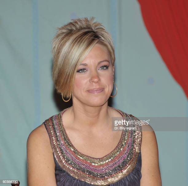 Kate Gosselin signs copies of her book Eight Little Faces at the 2009 Women's Conference Day 1 at Long Beach Convention Center on October 26 2009 in...