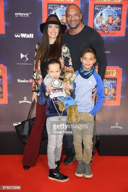 Kate Hall, her husband Detlef Dee Soost and their children Ayana and Carlos attend the premiere of the children's show 'Spiel mit der Zeit' at...