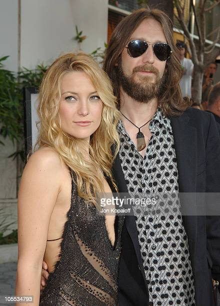 Kate Hudson and Chris Robinson during 'The Skeleton Key' Los Angeles Premiere Arrivals at Universal City Walk in Universal City California United...