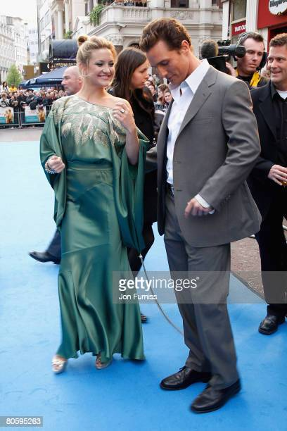 Kate Hudson and Matthew McConaughey dance to the reggae music being played as they attend the Fool's Gold film premiere held at the Vue West End in...
