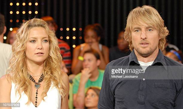 "Kate Hudson and Owen Wilson during Beyonce, Kate Hudson, Owen Wilson, Shawn Wayans and Marlon Wayans Visit MTV's ""TRL"" - July 12, 2006 at MTV Studios..."