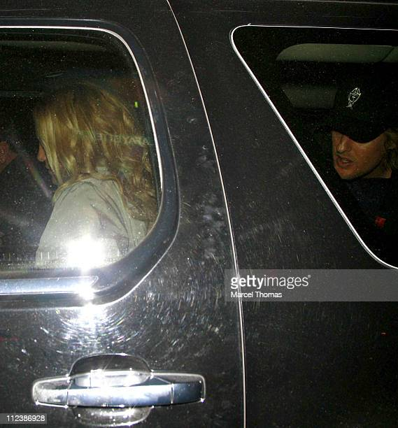 Kate Hudson and Owen Wilson during Kate Hudson and Owen Wilson Sighting in Soho, New York City - April 19, 2007 at Bonhams in New York City, New...