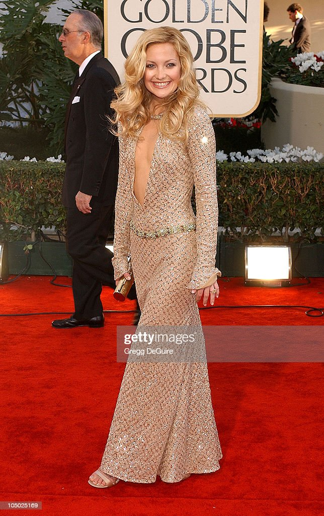 Kate Hudson arrives for the Golden Globe Awards at the Beverly Hilton Hotel in Beverly Hills, California January 20, 2002.