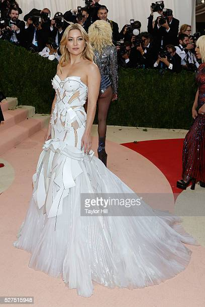 """Kate Hudson attends """"Manus x Machina: Fashion in an Age of Technology"""", the 2016 Costume Institute Gala at the Metropolitan Museum of Art on May 02,..."""