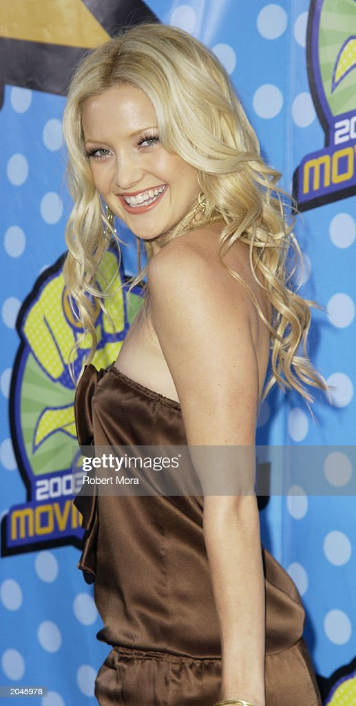 Kate Hudson attends The 2003 MTV Movie Awards held at the Shrine Auditorium on May 31, 2003 in Los Angeles, California.