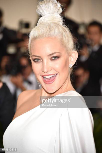 Kate Hudson attends the 'Rei Kawakubo/Comme des Garcons Art Of The InBetween' Costume Institute Gala at Metropolitan Museum of Art on May 1 2017 in...