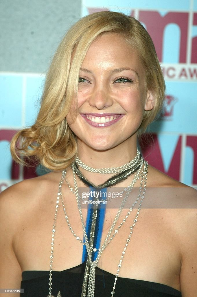 Kate Hudson during 2002 MTV Video Music Awards - Arrivals at Radio City Music Hall in New York City, New York, United States.
