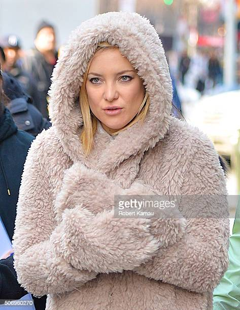 Kate Hudson leaves the Regal Cinema on January 26 2016 in New York City