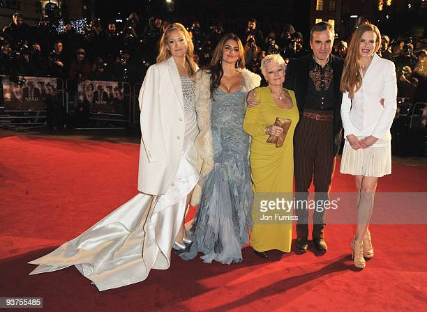Kate Hudson Penelope Cruz Dame Judi Dench Daniel Day Lewis and Nicole Kidman attend the Nine world film premiere at the Odeon Leicester Square on...