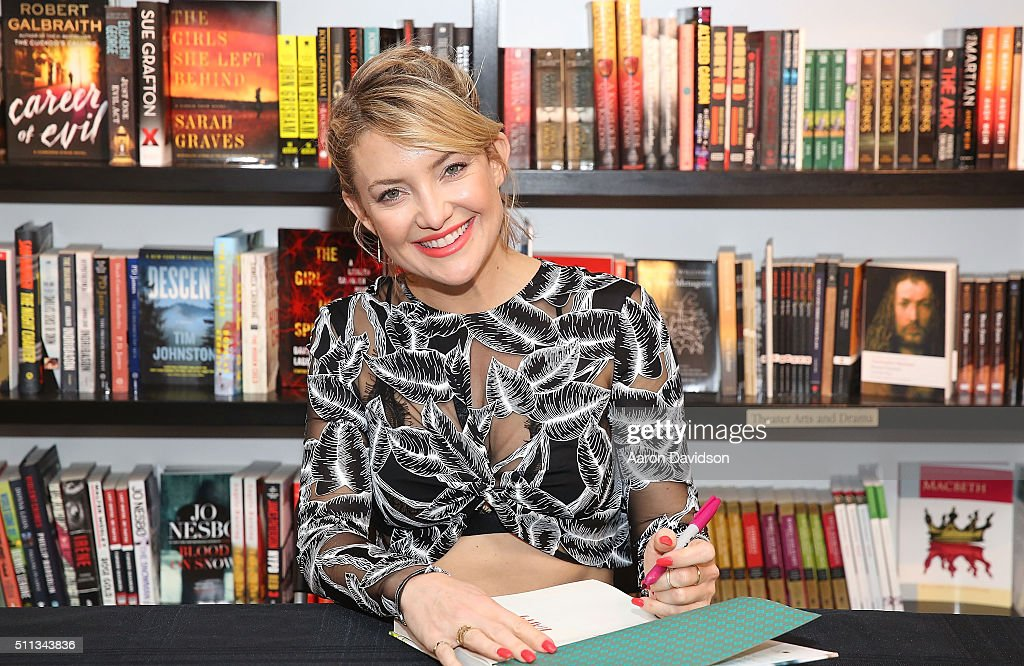 Kate Hudson signs copies of her book 'Pretty Happy: Healthy Ways to Love Your Body' at Books and Books on February 19, 2016 in Bal Harbour, Florida.