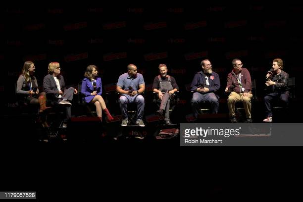 Kate Knibb Tom Sheppard Milana Vayntrub Donald Faison Brekin Meyer John Harvatine IV Matthew Senreich and Seth Green speak onstage at the Robot...
